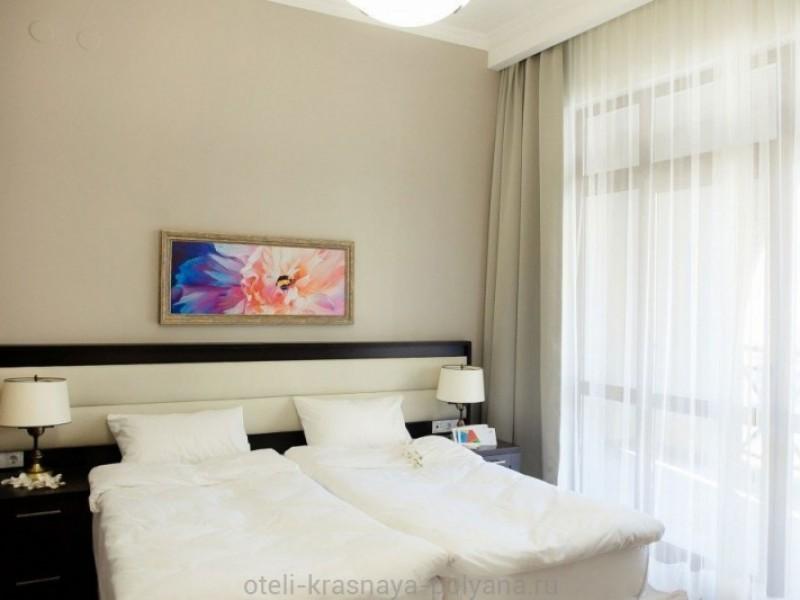 gorki-gorod-apart-otel-3-apartamenty-spalnya-vid