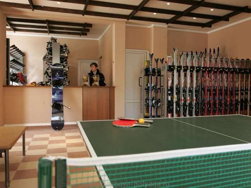 otel-belarus-ko-3-komnata-s-inventarem-nastolnyj-tennis