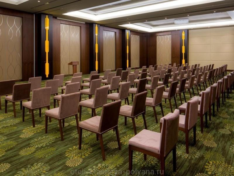 otel-gorki-grand-4-sochi-krasnaya-polyana-oficialnyj-sajt-banketnyj-i-konferenc-zal-lermontov-284-kv-metrov