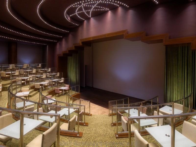 otel-gorki-grand-4-sochi-krasnaya-polyana-oficialnyj-sajt-krytyj-mnogofunkcionalnyj-amfiteatr-350-metrov