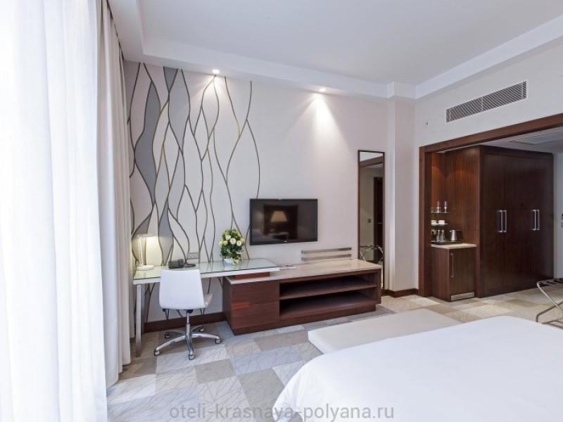 otel-gorki-grand-4-sochi-krasnaya-polyana-oficialnyj-sajt-nomer-lyuks-deluxeroom-king-3