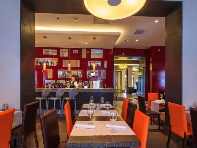 otel-gorki-plaza-3-sochi-krasnaya-polyana-adzhika-osnovnoj-restoran-autentichnaya-kavkazskaya-kuhnya