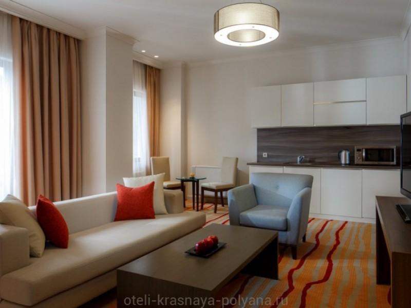otel-gorki-plaza-3-sochi-krasnaya-polyana-nomer-lyuks-grand