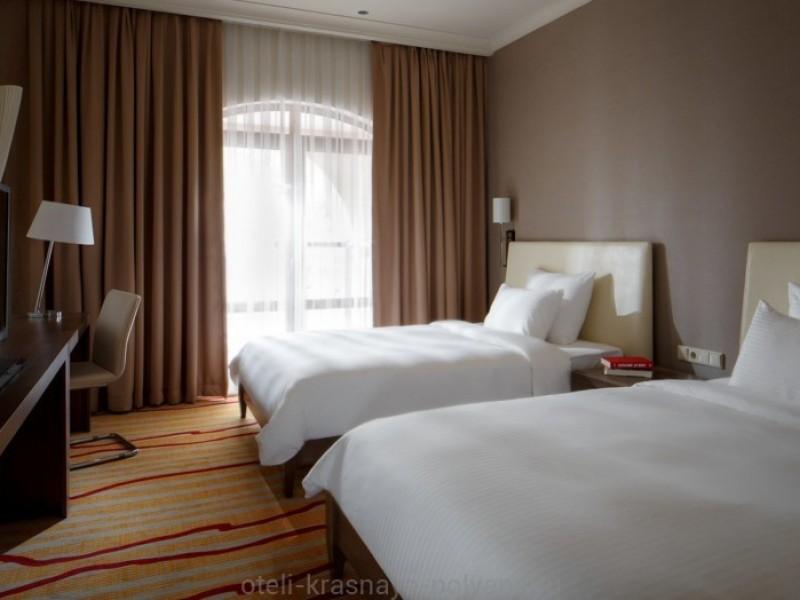 otel-gorki-plaza-3-sochi-krasnaya-polyana-nomer-standart-bedroom-twin