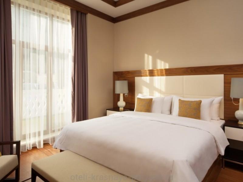 otel-solis-sochi-suites-5-krasnaya-polyana-oficialnyj-sajt-odnospalnyj-syuit-spalnya-one-bedroom-suite-bedroom