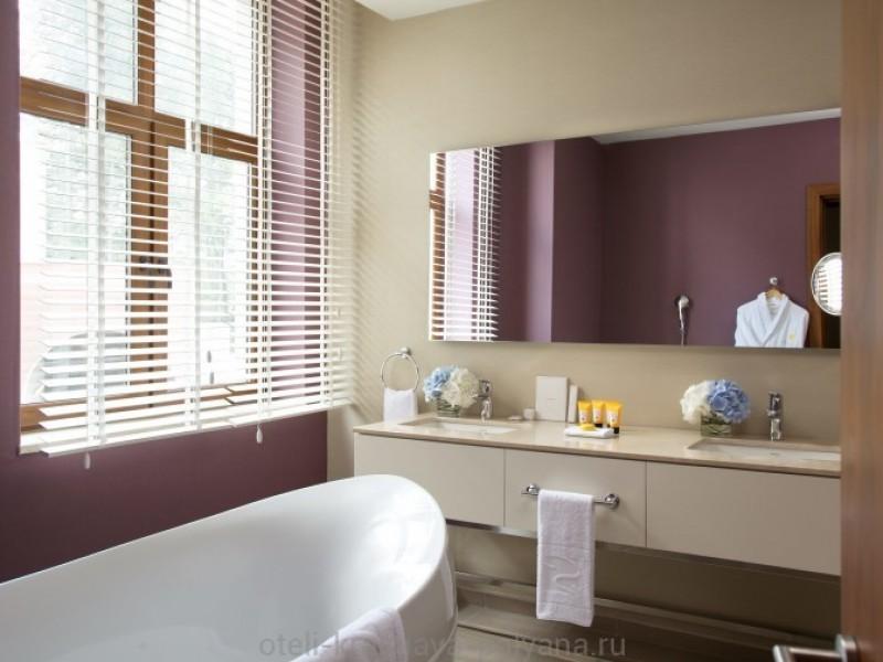 otel-solis-sochi-suites-5-krasnaya-polyana-oficialnyj-sajt-odnospalnyj-syuit-vannaya-one-bedroom-suite-bathroom