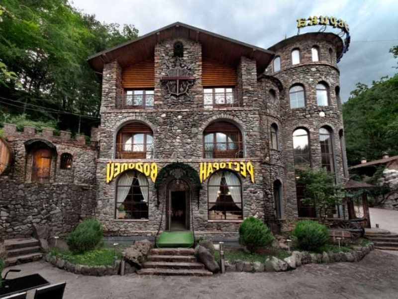 fort-ehvrika-otel-3-restoran-1