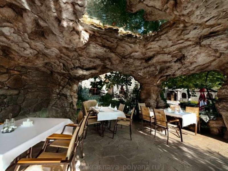 fort-ehvrika-otel-3-v-restorane-1