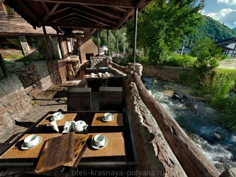 fort-ehvrika-otel-3-v-restorane-2