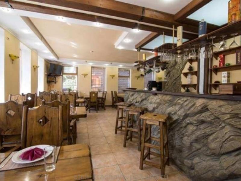 sofiya-otel-3-kafe-obshhij-vid