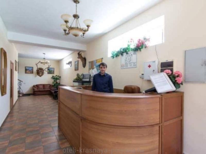 sofiya-otel-3-stojka-registracii